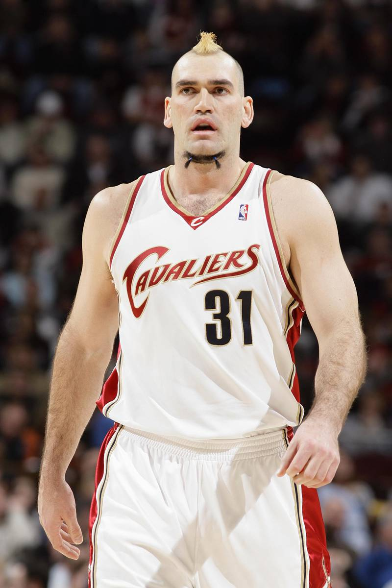 CLEVELAND - FEBRUARY 9:  Scot Pollard #31 of the Cleveland Cavaliers walks on the court during the NBA game against the Miami Heat on February 9, 2007 at Quicken Loans Arena in Cleveland, Ohio. The Cavs won 103-79. NOTE TO USER: User expressly acknowledges and agrees that, by downloading and or using this photograph, User is consenting to the terms and conditions of the Getty Images License Agreement. Mandatory Copyright Notice: Copyright 2007 NBAE (Photo by Garrett W. Ellwood/NBAE via Getty Images)