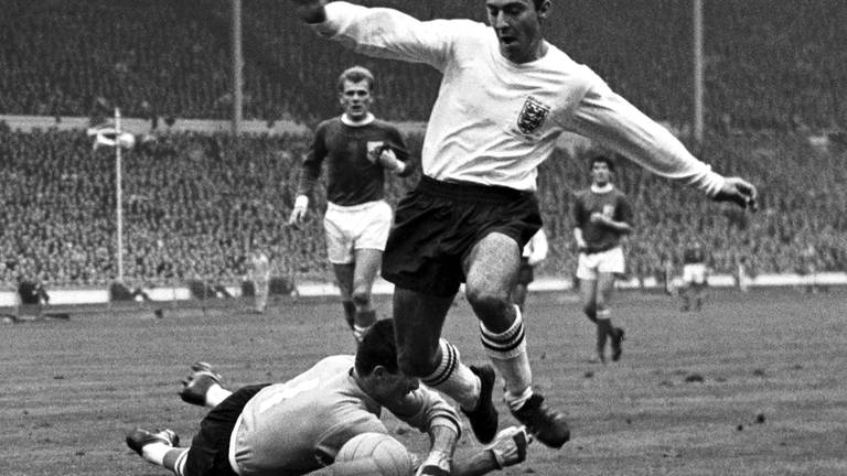 An image that illustrates this article Jimmy Greaves: A record-setting British football treasure admired by millions