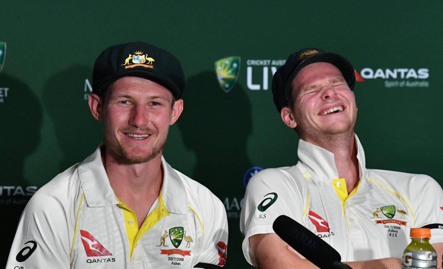 epa06353131 Cameron Bancroft (L) and Steve Smith (R) of Australia answer questions from the media about England wicketkeeper Jonny Bairstow at a post match press conference on Day 5 of the First Ashes Test match between Australia and England at the Gabba in Brisbane, Queensland, Australia, 27 November 2017.  EPA/DARREN ENGLAND EDITORIAL USE ONLY, IMAGES TO BE USED FOR NEWS REPORTING PURPOSES ONLY, NO COMMERCIAL USE WHATSOEVER, NO USE IN BOOKS WITHOUT PRIOR WRITTEN CONSENT FROM AAP AUSTRALIA AND NEW ZEALAND OUT