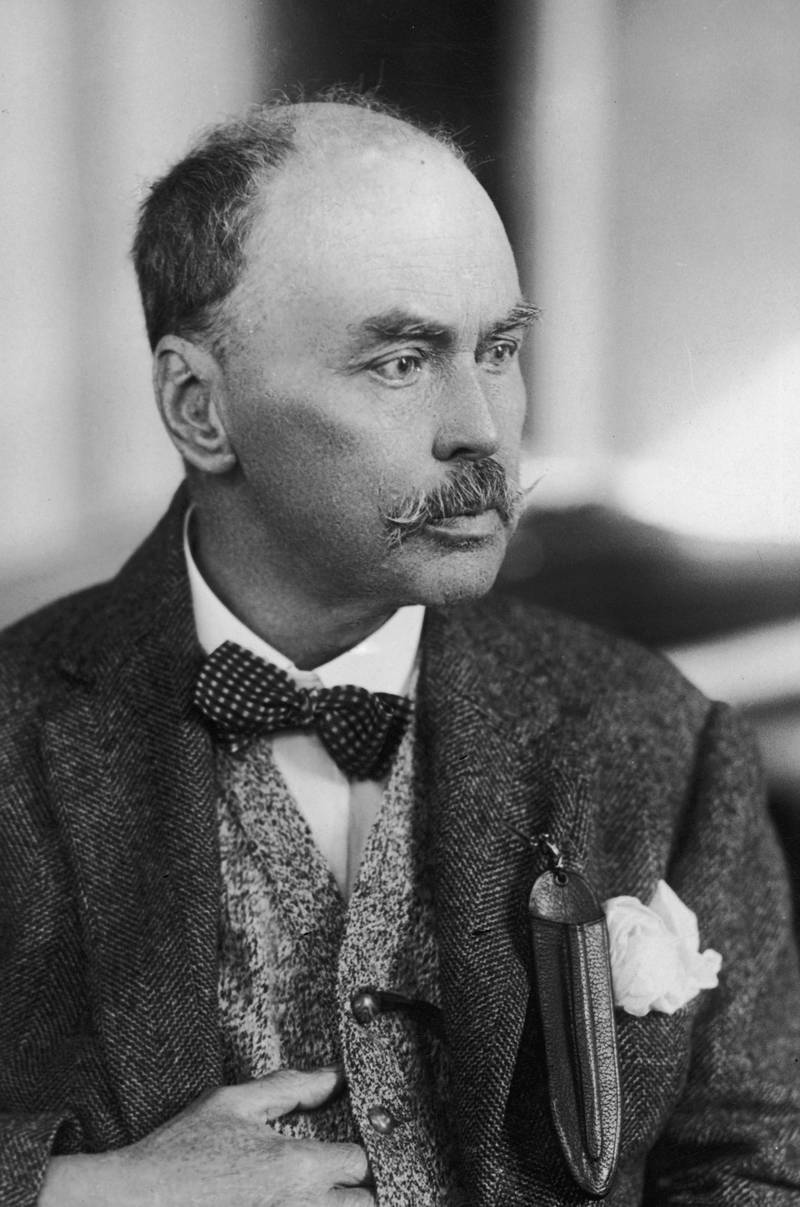 FOR MALARIA / SMALPOX GALLERY Ronald Ross (1857 - 1932), winner of the 1902 Nobel Prize in Medicine for his work on malaria, circa 1910.  (Photo by Elliott & Fry/Hulton Archive/Getty Images)