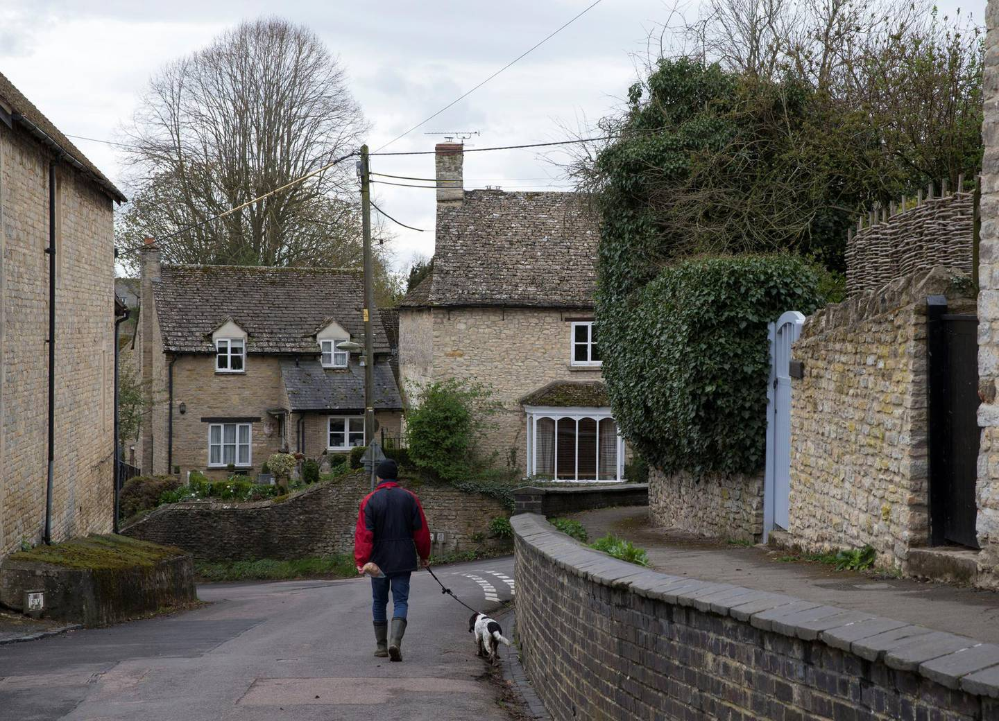 WOOTTON, OXFORDSHIRE, UK. 5th April 2019. The village of Wootton, United Kingdom, where businessman Arif Naqvi has his Wootton Place estate.  Stephen Lock for the National . Words: Paul Peachey.