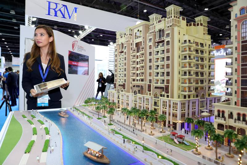 Dubai, United Arab Emirates - September 11th, 2017: Visitors at the Canal residents West project by Dubai sports city at the 16th addition of Cityscape Global. Monday, September 11th, 2017 at World Trade centre, Dubai.