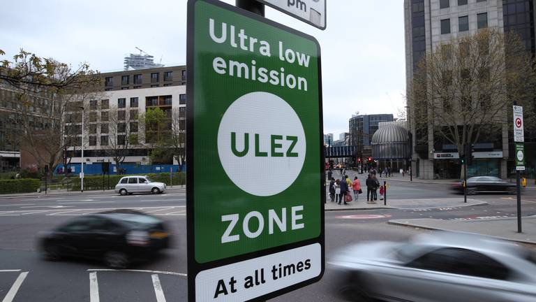 An image that illustrates this article London expands vehicle levy to improve air quality