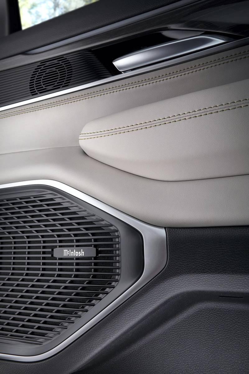 All-new 2022 Wagoneer features an available premium 950-watt, 19 speaker McIntosh premium audio system.