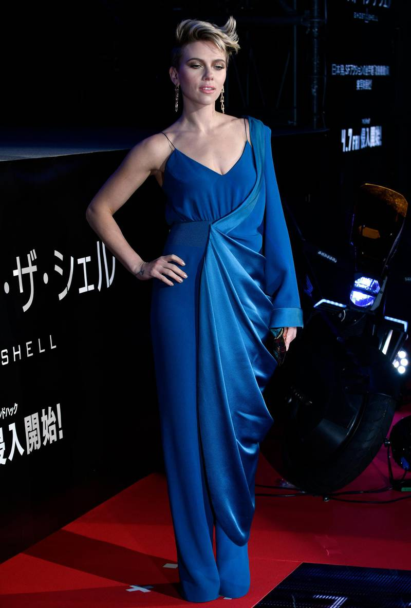 epa05852074 US actress/cast member Scarlett Johansson poses during the red carpet event for the world premiere of the movie 'Ghost in the Shell' in Tokyo, Japan, 16 March 2017. The movie based on a Japanese manga will be screened across the country from 07 April 2017.  EPA/FRANCK ROBICHON   EDITORIAL USE ONLY