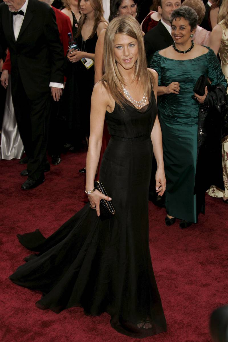 epa00660585 Actress Jennifer Aniston on the red carpet during the 78th annual Academy Awards in Hollywood,  California, Sunday 05 March 2006.  EPA/DANNY MOLOSHOK