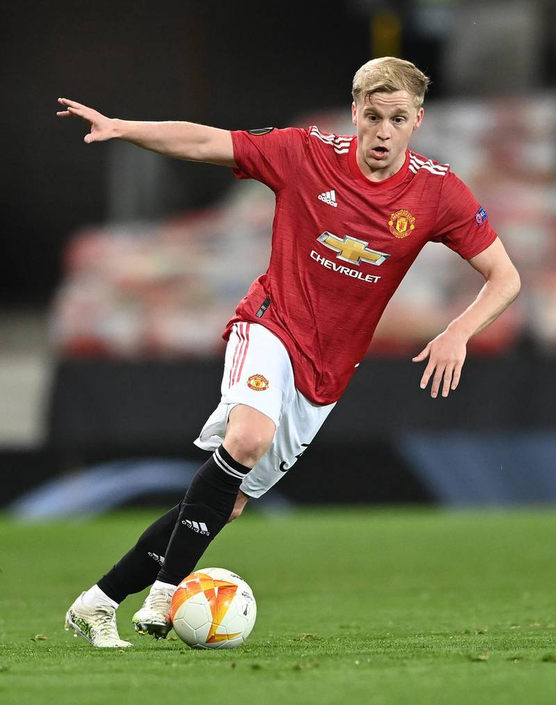 MANCHESTER, ENGLAND - APRIL 15: Donny van de Beek of Manchester United in action during the UEFA Europa League Quarter Final Second Leg match between Manchester United and Granada CF at Old Trafford on April 15, 2021 in Manchester, England. Sporting stadiums around Europe remain under strict restrictions due to the Coronavirus Pandemic as Government social distancing laws prohibit fans inside venues resulting in games being played behind closed doors. (Photo by Stu Forster/Getty Images)