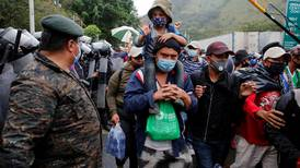 More than 8,000 Hondurans advance on foot in US-bound caravan