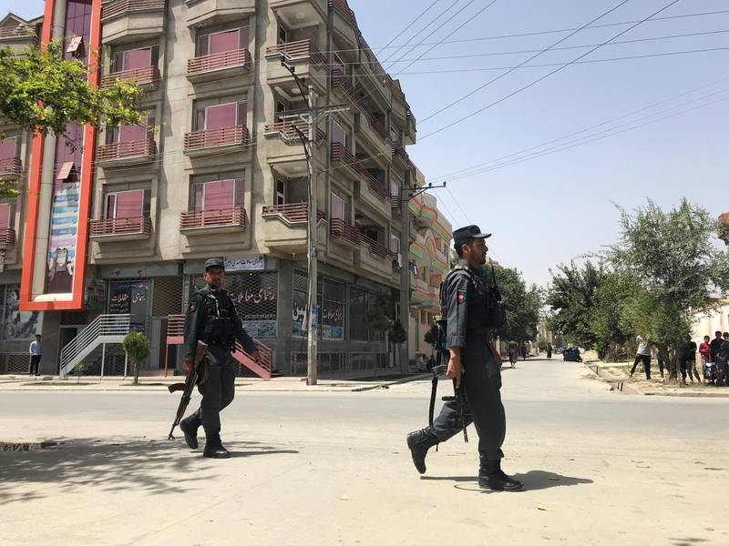 Afghan policemen arrive at the site of an attack in Kabul, Afghanistan August 16, 2018. REUTERS/Mohammad Ismail