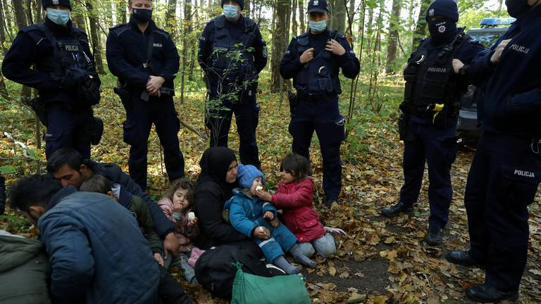 An image that illustrates this article EU presses Belarus on 'weaponisation of migrants'