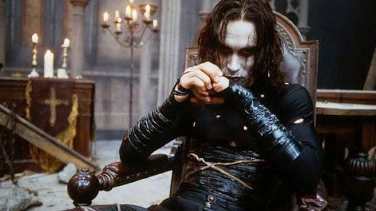 An image that illustrates this article Fatal film set accidents: from Brandon Lee to Alec Baldwin
