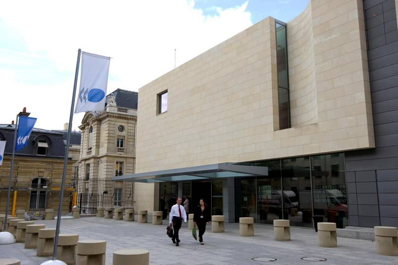 FILE PHOTO: Outside view of the Organization for Economic Co-operation and Development, (OECD) headquarters in Paris September 3, 2009.  REUTERS/Charles Platiau/File Photo