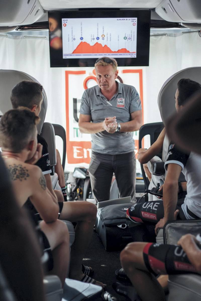 Vuelta - team talk