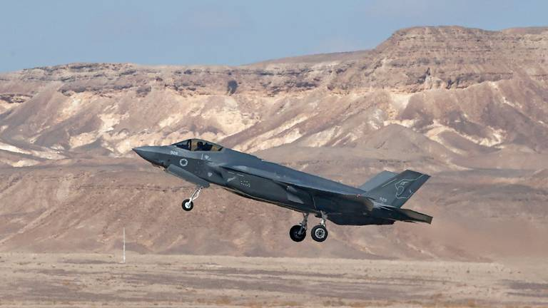 An image that illustrates this article US and Turkey begin talks over expulsion from F-35 programme