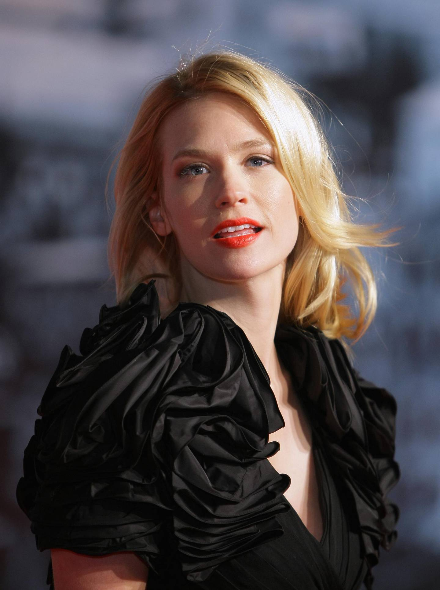 BERLIN - JANUARY 12:  Actress January Jones attends the 'Sherlock Holmes' German Premiere at CineStar on January 12, 2010 in Berlin, Germany.  (Photo by Andreas Rentz/Getty Images)