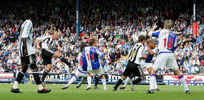 BLACKBURN, ENGLAND - SEPTEMBER 18 : Alan Shearer of Newcastle scores the opening goal during the Barclays Premiership match between Blackburn Rovers and Newcastle United on September 18,  2005 at Ewood Park in Blackburn, England.  (Photo by Laurence Griffiths/Getty Images)