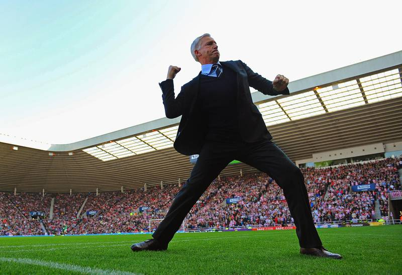 SUNDERLAND, ENGLAND - OCTOBER 21:  Newcastle manager Alan Pardew celebrates after his team's goal during the Barclays Premier League match between Sunderland and Newcastle United at the Stadium of Light on October 21, 2012 in Sunderland, England.  (Photo by Michael Regan/Getty Images)