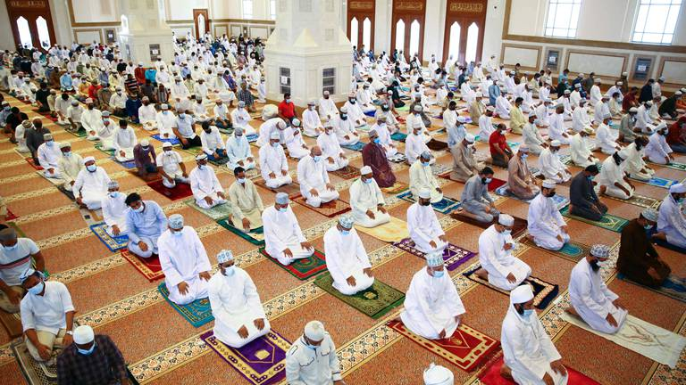 An image that illustrates this article Oman opens mosques for Friday prayers as Covid-19 recedes