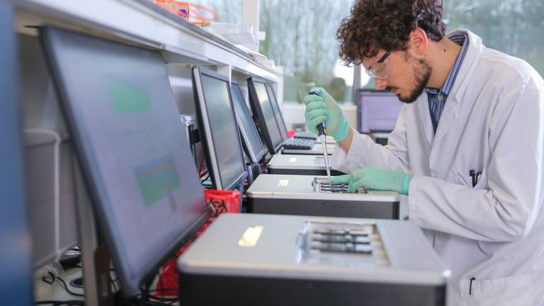 An image that illustrates this article Oxford Nanopore unveils London IPO plans after Covid success