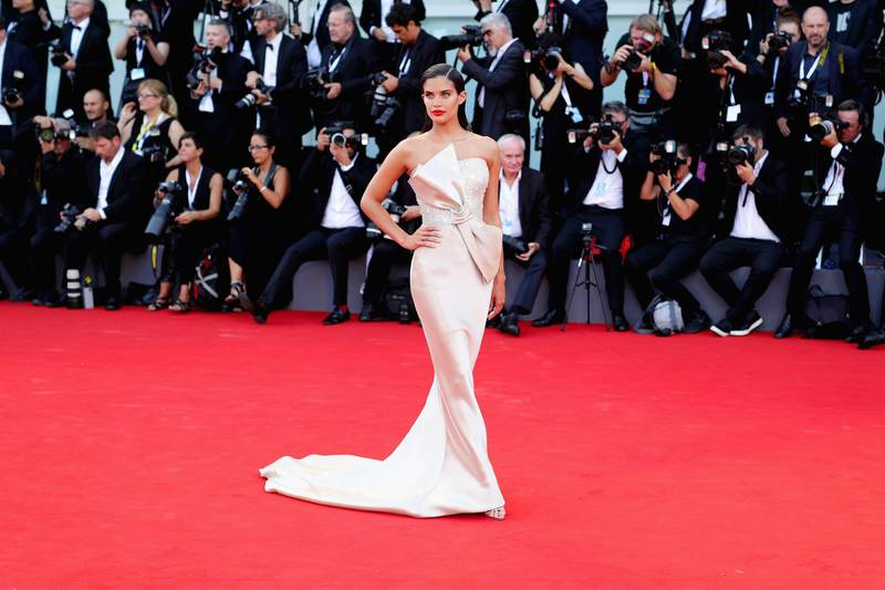 VENICE, ITALY - AUGUST 29:  Sara Sampaio walks the red carpet ahead of the opening ceremony and the 'First Man' screening during the 75th Venice Film Festival at Sala Grande on August 29, 2018 in Venice, Italy.  (Photo by Andreas Rentz/Getty Images)