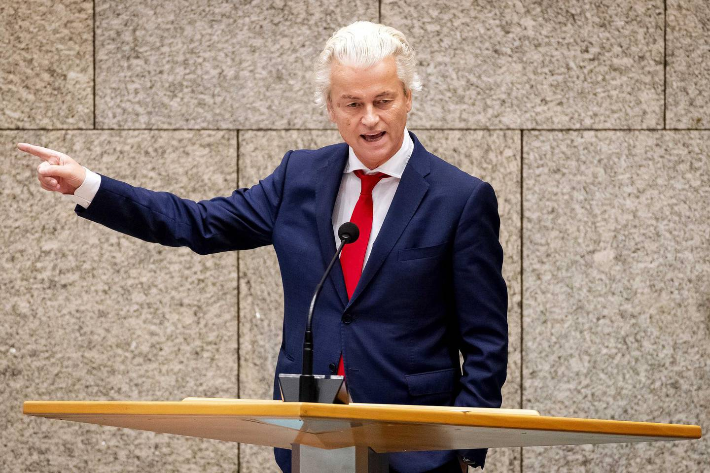 epa08490186 Leader of the far-right Party for Freedom (PVV) Geert Wilders speaks during a debate in the Senate (upper house of the Dutch parliament) in The Hague, The Netherlands, 17 June 2020. The senators debated the country's positions in the upcoming European summit scheduled for 19 June.  EPA/SEM VAN DER WAL