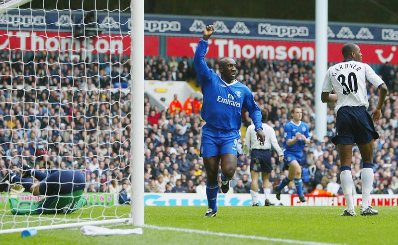 LONDON - APRIL 3:   Jimmy Floyd Hasselbaink of Chelsea celebrates scoring the first goal past goalkeeper Kasey Keller of Tottenham Hotspur during the FA Barclaycard Premiership match between Tottenham Hotspur and Chelsea at White Hart Lane on April 3, 2004 in London.  (Photo by Clive Rose/Getty Images)