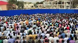 Somalis gather at Mogadishu bombing site to mourn victims