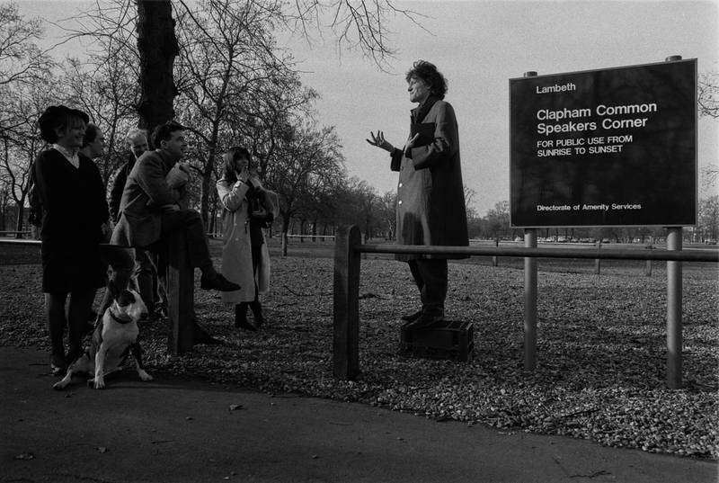 Tim Willis giving a speech in front of a small crowd at the Clapham Common Speakers' Corner, London, UK, 25th February 1985. (Photo by Daily Express/Hulton Archive/Getty Images)