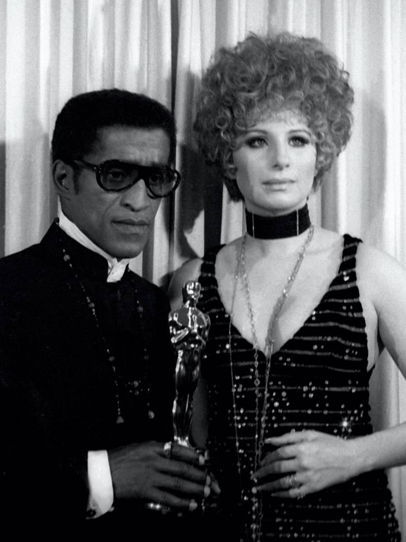 SANTA MONICA, CA - APRIL 10:  Sammy Davis Jr. and Barbra Streisand attend 40th Annual Academy Awards on April 10, 1968 at the Santa Monica Civic Auditorium in Santa Monica, California. (Photo by Ron Galella, Ltd./Ron Galella Collection via Getty Images)