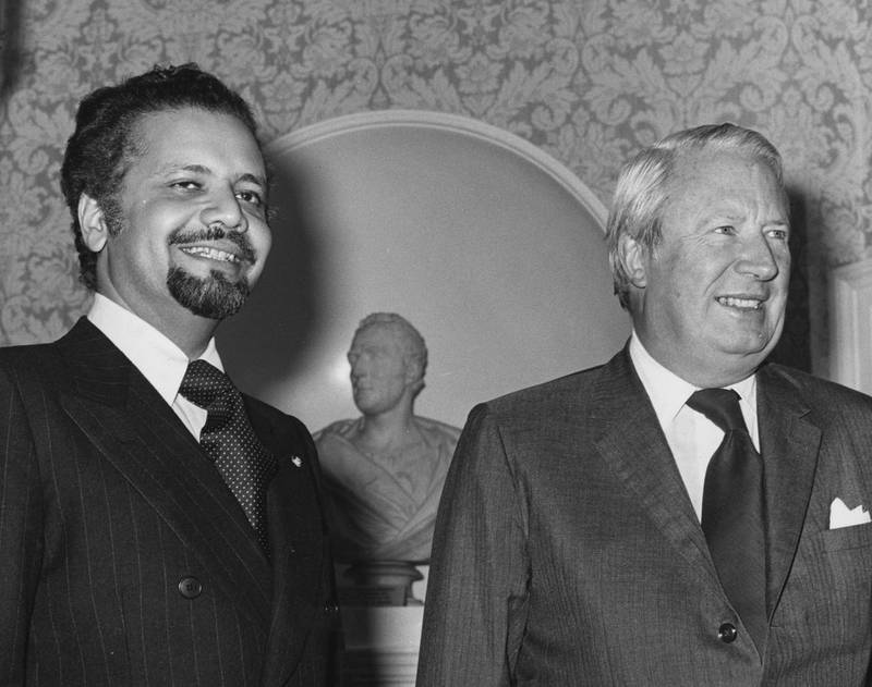 29th November 1973:  Sheikh Yamani, Saudi Arabian oil minister, with Prime Minister Edward Heath at No 10 Downing street for talks about the 1973 oil crisis.  (Photo by George W. Hales/Fox Photos/Getty Images)