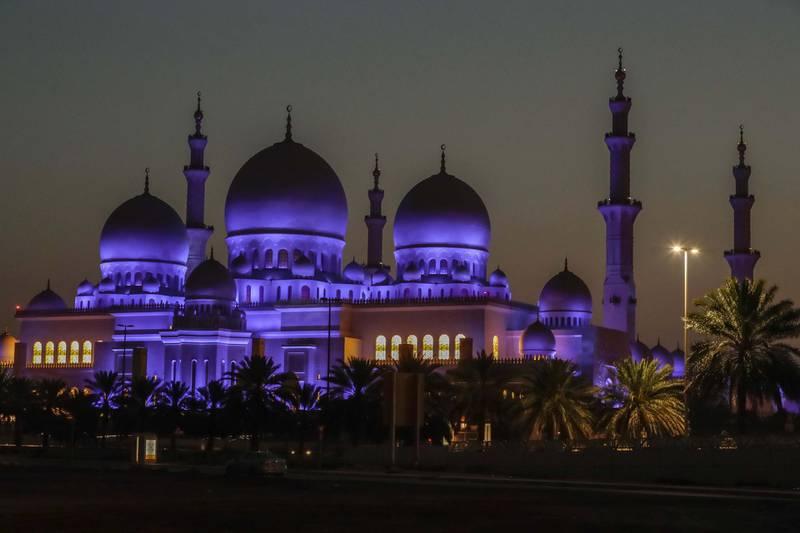 Abu Dhabi, United Arab Emirates, May 5, 2019.  Sheikh Zayed Grand Mosque. ---Sunrise shot.Victor Besa/The NationalSection:  NAReporter: