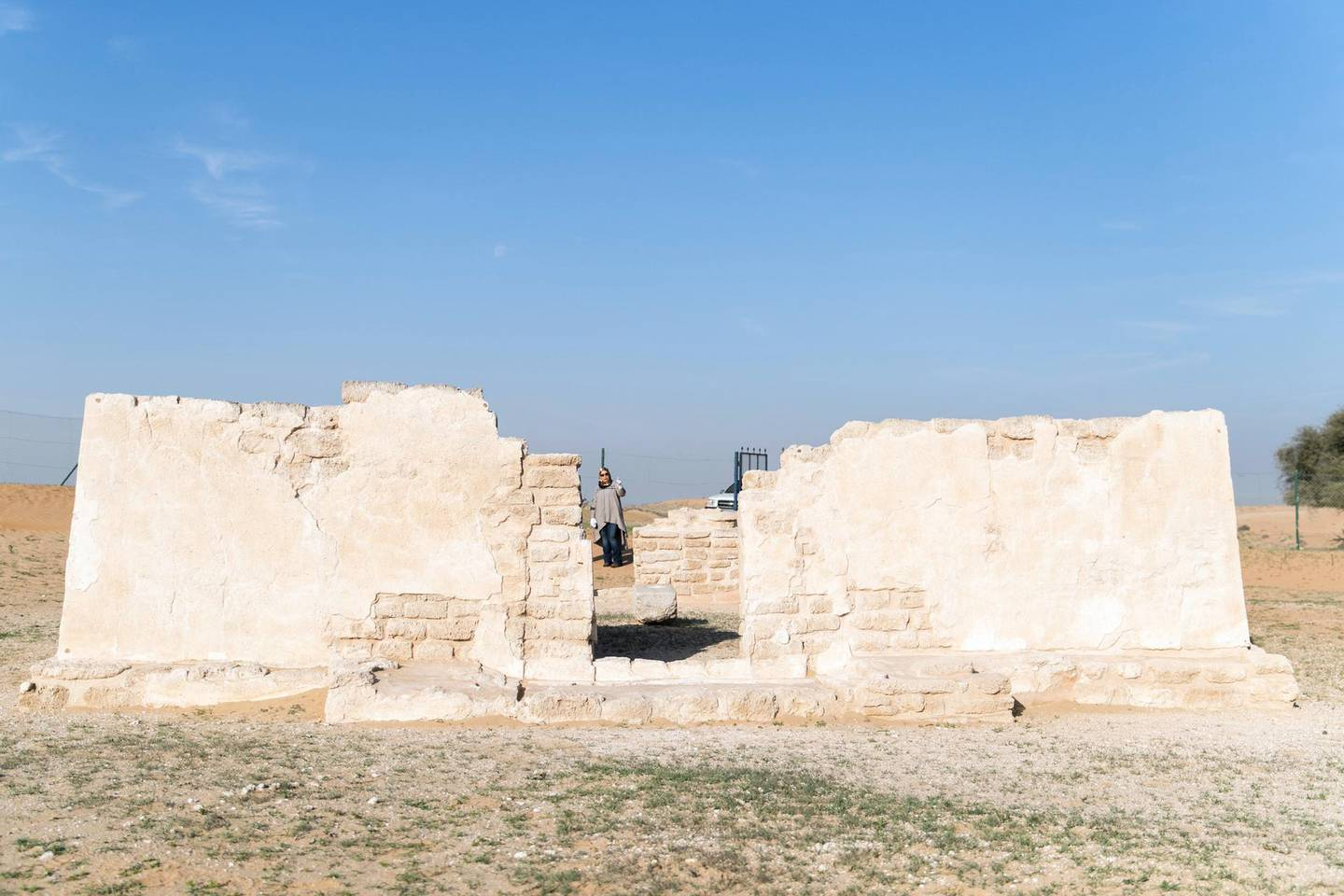 UMM AL QUWAIN, UNITED ARAB EMIRATES - DECEMBER 26, 2018. Al Shimish temple in Ed-Dur, one of the largest archaeological sites in the UAE.The antiquities and heritage department in UAQ is offering people a  10-day archaeology exploration course at the site.(Photo by Reem Mohammed/The National)Reporter: RUBA HAZASection:  NA