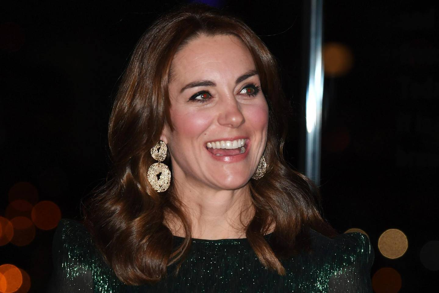 DUBLIN, IRELAND - MARCH 03: Catherine, Duchess of Cambridge drinks a pint of Guinness during a reception with Prince William, Duke of Cambridge, hosted by the British Ambassador to Ireland Robin Barnett, at the Guinness Storehouses Gravity Bar during day one of their visit to Ireland on March 03, 2020 in Dublin, Ireland. (Photo by James Whatling - WPA Pool/Getty Images)
