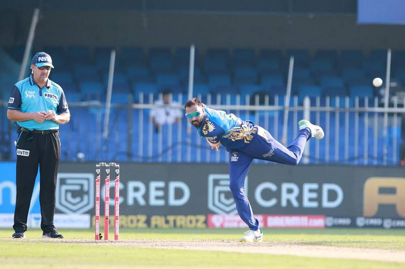 Krunal Pandya of Mumbai Indians  bowls during match 17 of season 13 of the Indian Premier League (IPL ) between the Mumbai Indians  and the Sunrisers Hyderabad held at the Sharjah Cricket Stadium, Sharjah in the United Arab Emirates on the 4th October 2020.  Photo by: Rahul Gulati  / Sportzpics for BCCI