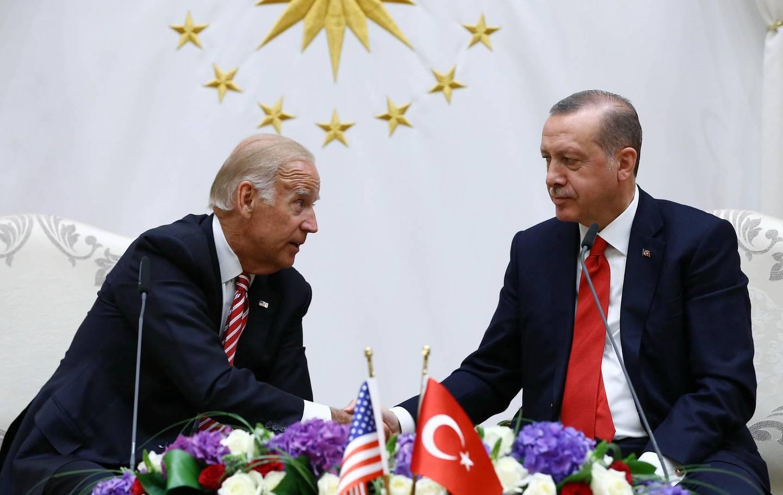 ANKARA, TURKEY - AUGUST 24: Turkish President Recep Tayyip Erdogan (R) receives US Vice-President Joe Biden (L) at Presidential Complex in Ankara, Turkey on August 24, 2016. (Photo by Kayhan Ozer/Anadolu Agency/Getty Images)