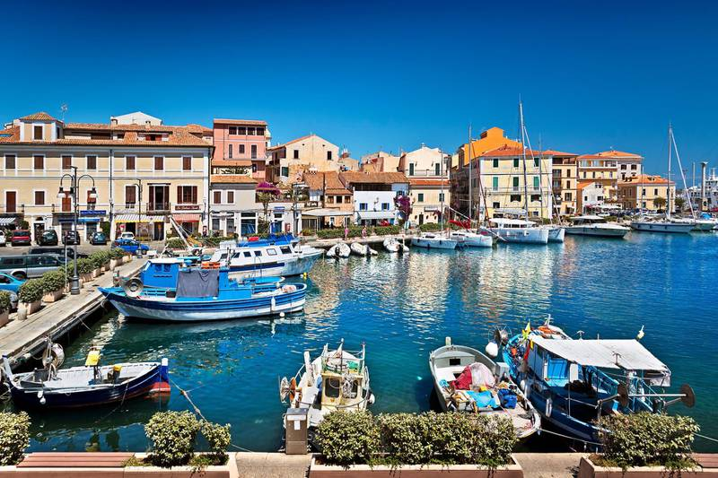 Photo taken at the Costa Smeralda in La Maddalena, Olbia-Tempio, Sardinia, Italy.