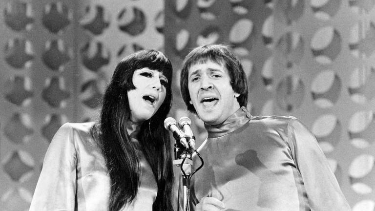 An image that illustrates this article Cher sues heirs of Sonny Bono over song and record revenue
