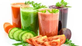 Water, juice and dry fasts: pros and cons of not eating for extended periods