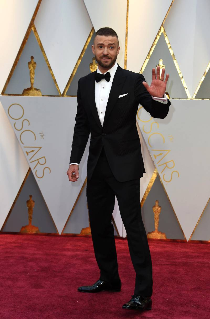 Justin Timberlake arrives on the red carpet for the 89th Oscars on February 26, 2017 in Hollywood, California. (Photo by VALERIE MACON / AFP)