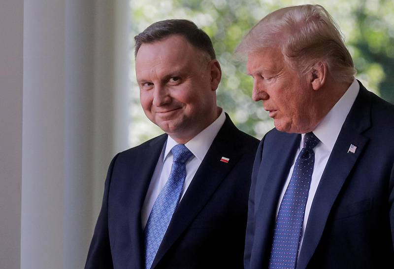 Poland's President Andrzej Duda arrives for a joint news conference with U.S. President Donald Trump in the Rose Garden at the White House in Washington, U.S., June 24, 2020. REUTERS/Carlos Barria     TPX IMAGES OF THE DAY