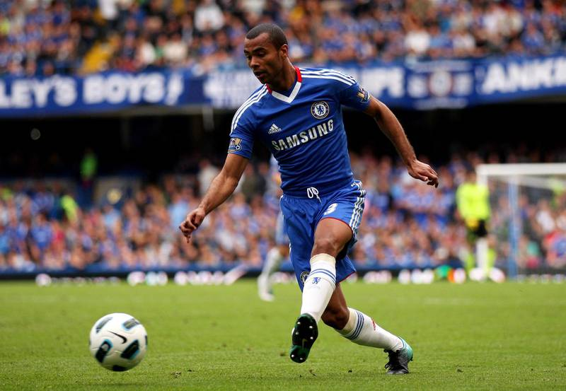 LONDON, ENGLAND - SEPTEMBER 19:  Ashley Cole of Chelsea passes the ball during the Barclays Premier League match between Chelsea and Blackpool at Stamford Bridge on September 19, 2010 in London, England.  (Photo by Warren Little/Getty Images)