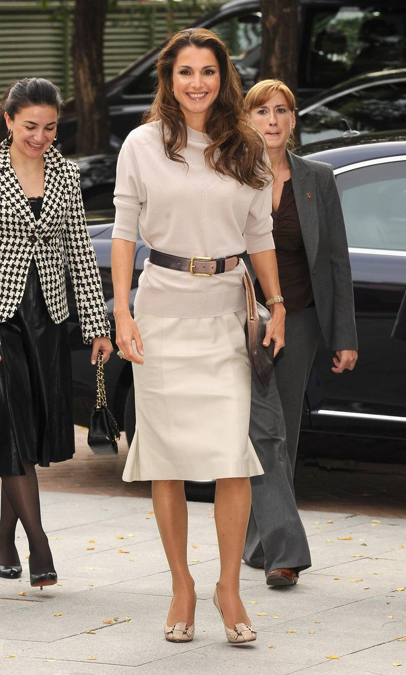 MADRID, SPAIN - OCTOBER 18:  Queen Rania Al Abdullah of Jordan visits Casa Arabe on October 18, 2008 in Madrid, Spain.  (Photo by Carlos Alvarez/Getty Images)