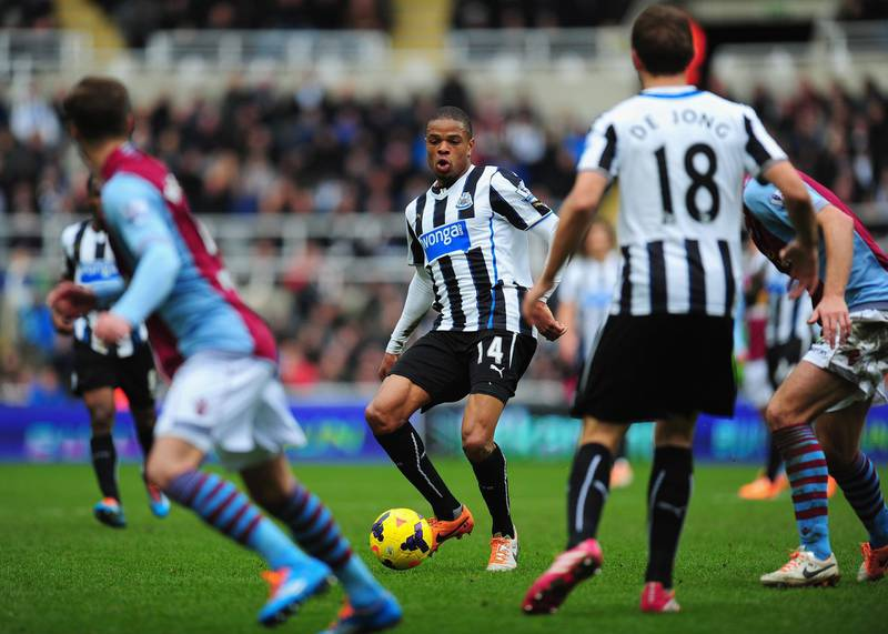NEWCASTLE UPON TYNE, ENGLAND - FEBRUARY 23:  Newcastle player Loic Remy (c) in action during the Barclays Premier League match between Newcastle United and  Aston Villa at St James' Park on February 23, 2014 in Newcastle upon Tyne, England.  (Photo by Stu Forster/Getty Images)