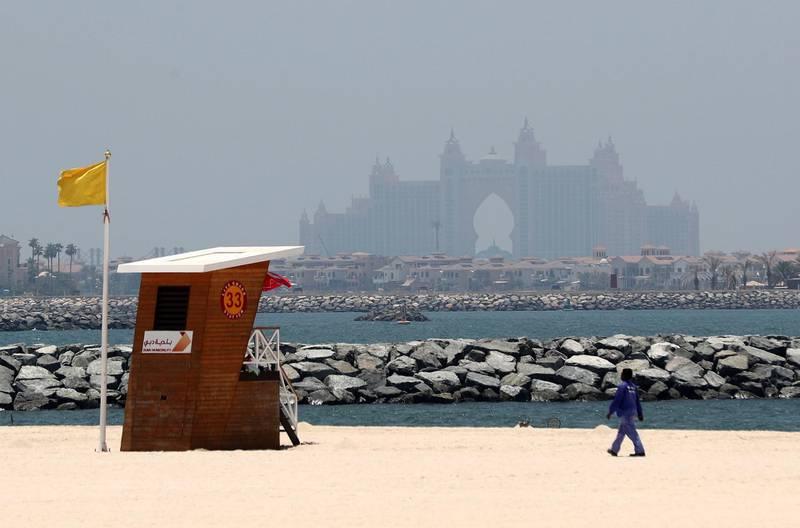 Dubai, United Arab Emirates - Reporter: N/A. Weather. Haze and dust gathers over the Atlantis hotel. Wednesday, June 17th, 2020. Dubai. Chris Whiteoak / The National