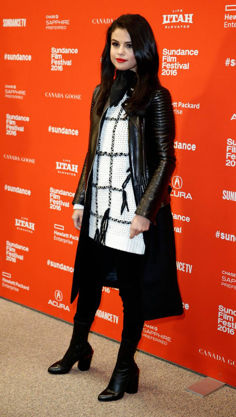 epa05134315 US actress Selena Gomez arrives for the premiere of 'The Fundamentals of Caring' at the 2016 Sundance Film Festival in Park City, Utah, USA, 29 January 2016. The festival takes place from 21 to 31 January.  EPA/GEORGE FREY