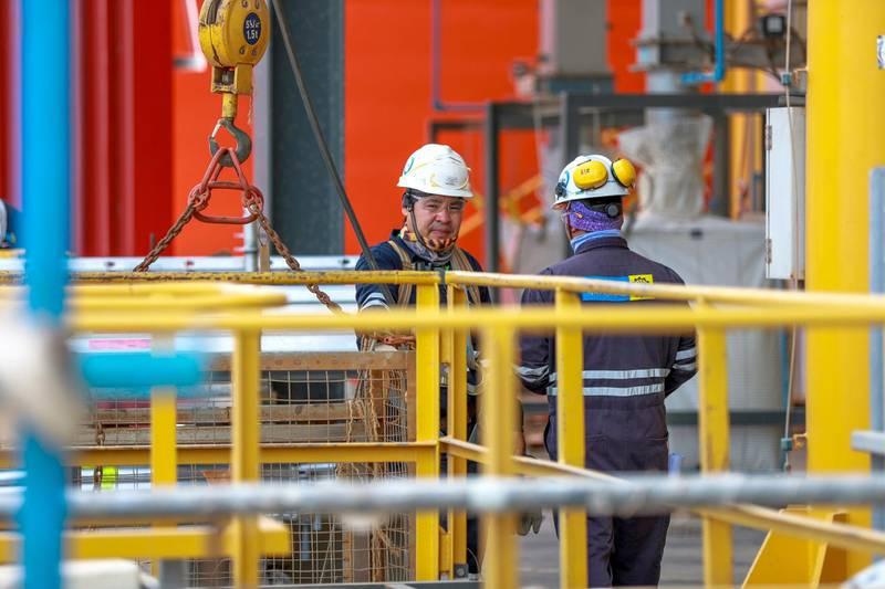 Abu Dhabi, UAE.  May 14, 2018.   The Ruwais Industrial Complex.  Borouge 3 Tower  workers take a break. Victor Besa / The NationalNationalReporter:  Jennifer Gnana