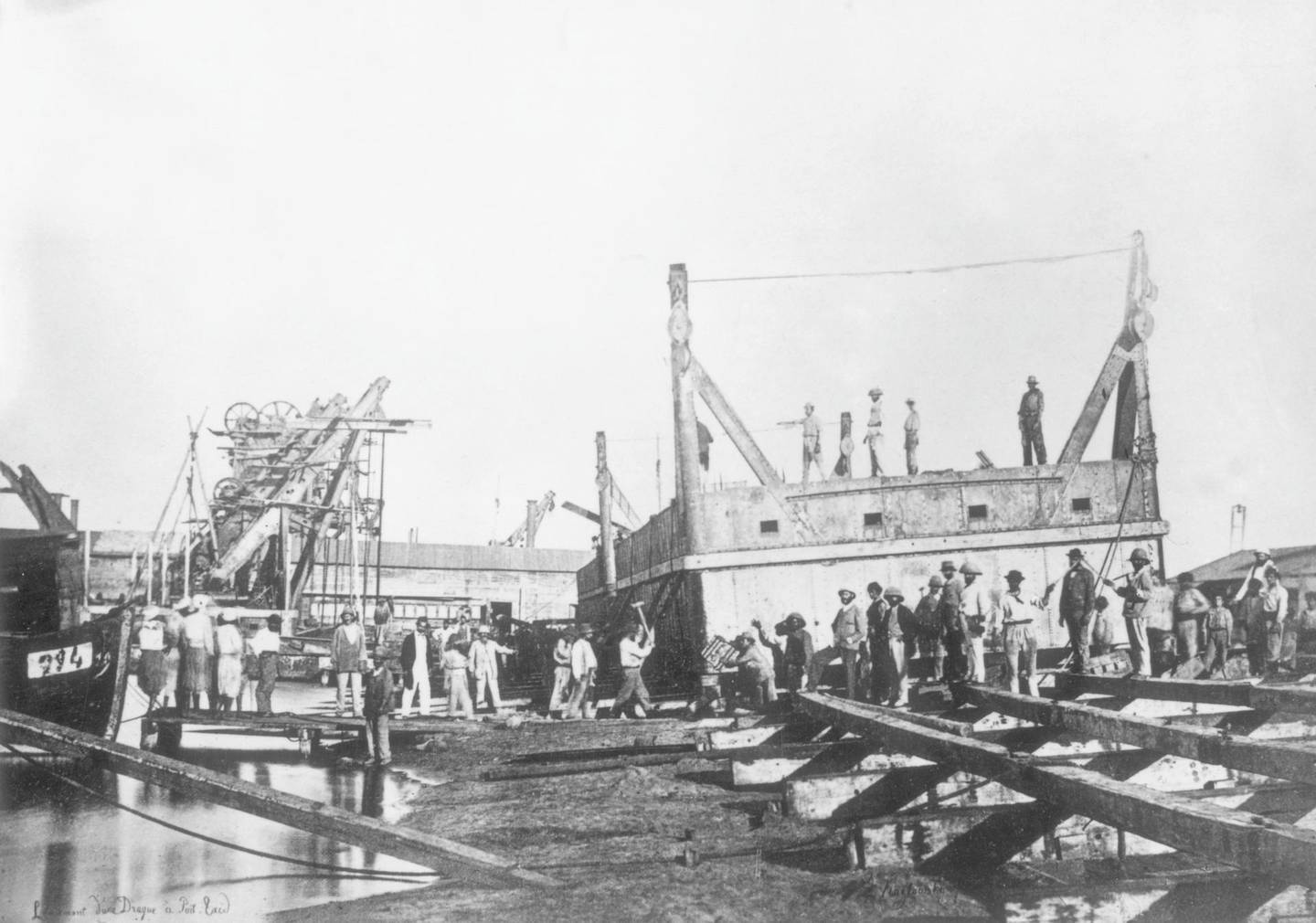 circa 1865:  Workers operating dredging equipment during the construction of the Suez Canal at Port Said.  (Photo by General Photographic Agency/Getty Images)