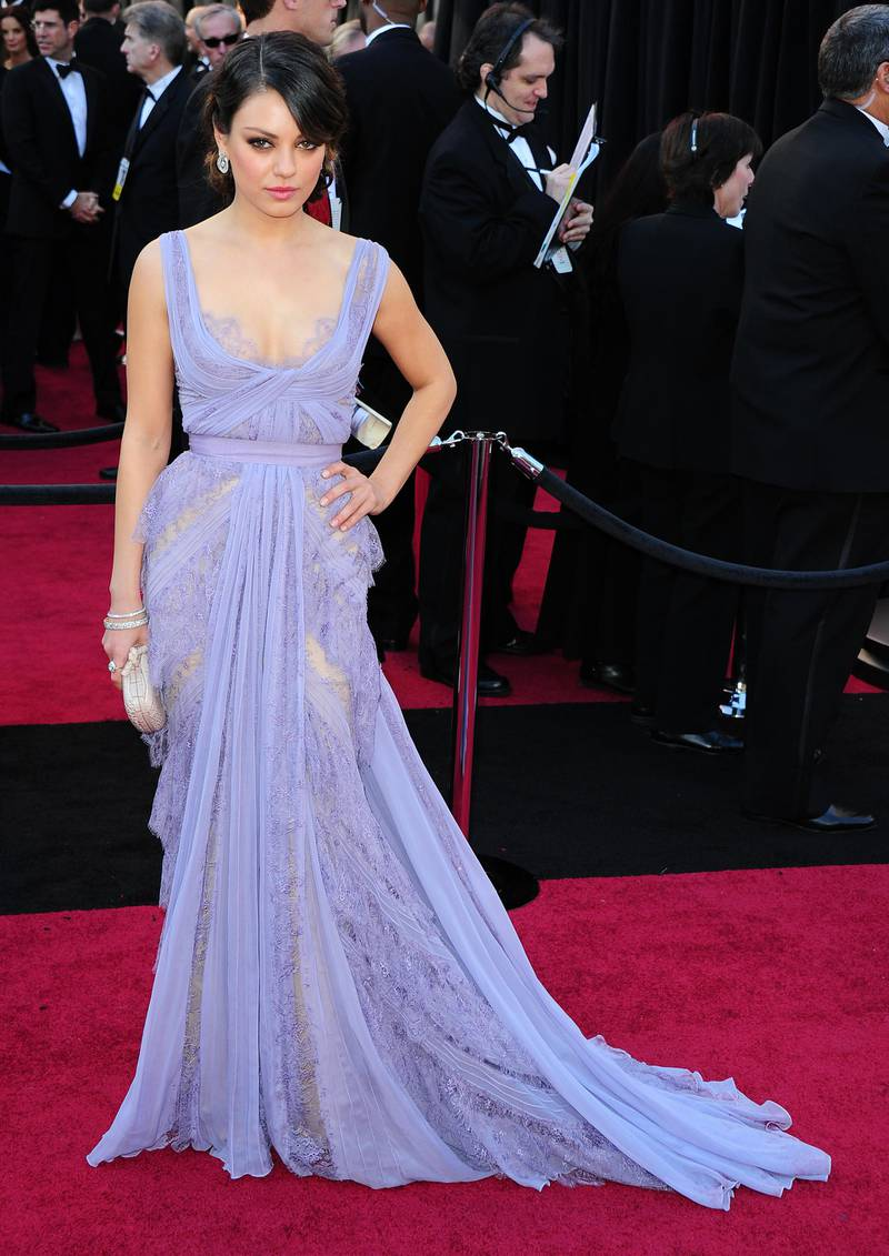 epa02605869 US actress Mila Kunis arrives for the 83rd annual Academy Awards at the Kodak Theatre in Hollywood, California, USA, 27 February 2011. The Oscars are presented for outstanding individual or collective efforts in up to 25 categories in filmmaking.  EPA/ANDREW GOMBERT