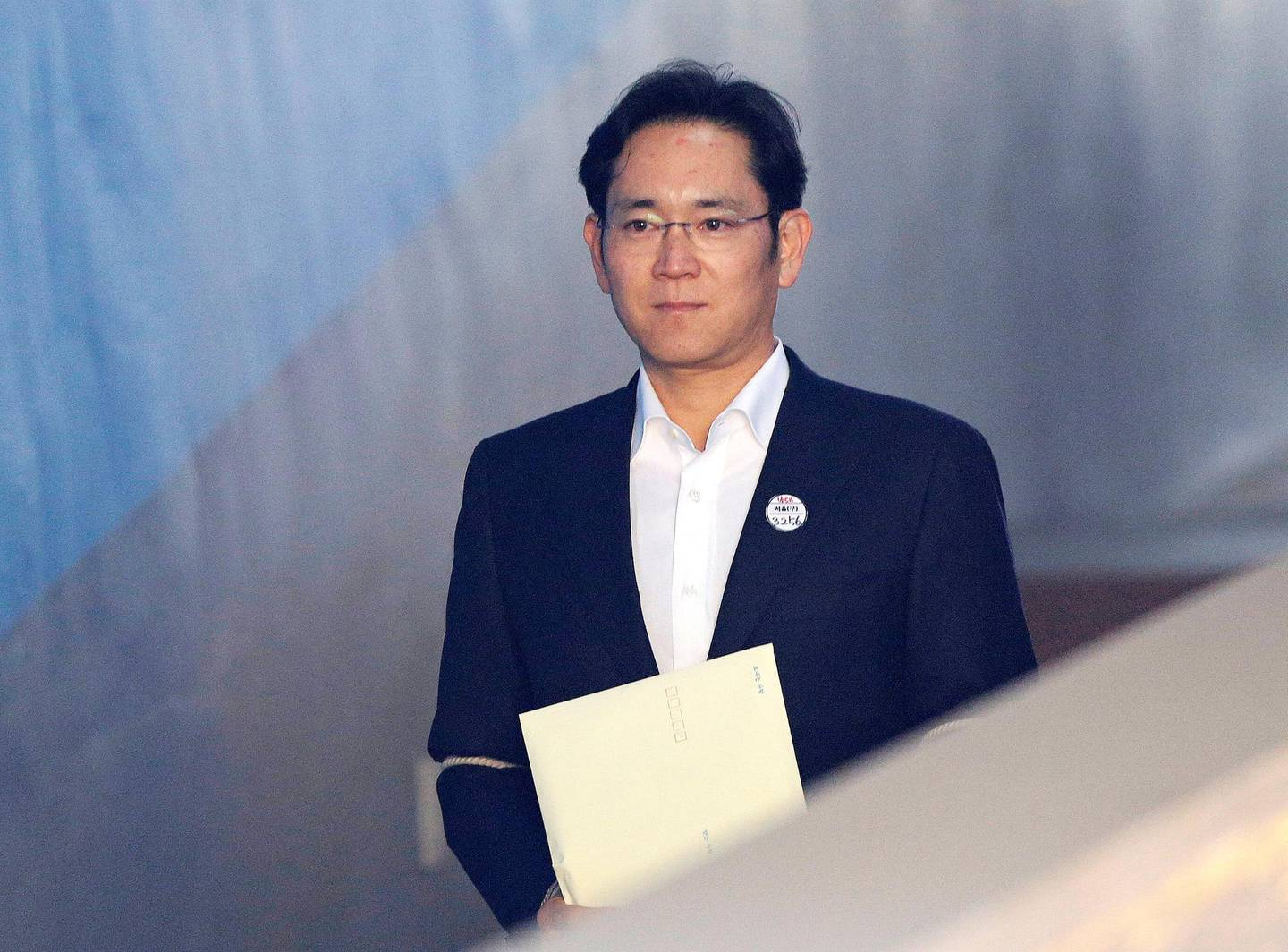 Jay Y. Lee, co-vice chairman of Samsung Electronics Co., arrives at the High Court in Seoul, South Korea, on Monday, Feb. 5, 2018. The High Court in Seoul is expected to rule on the appeal by Samsung's de facto leader Lee on his five-year prison term for bribery. Photographer: Ahn Young-joon/Pool via Bloomberg