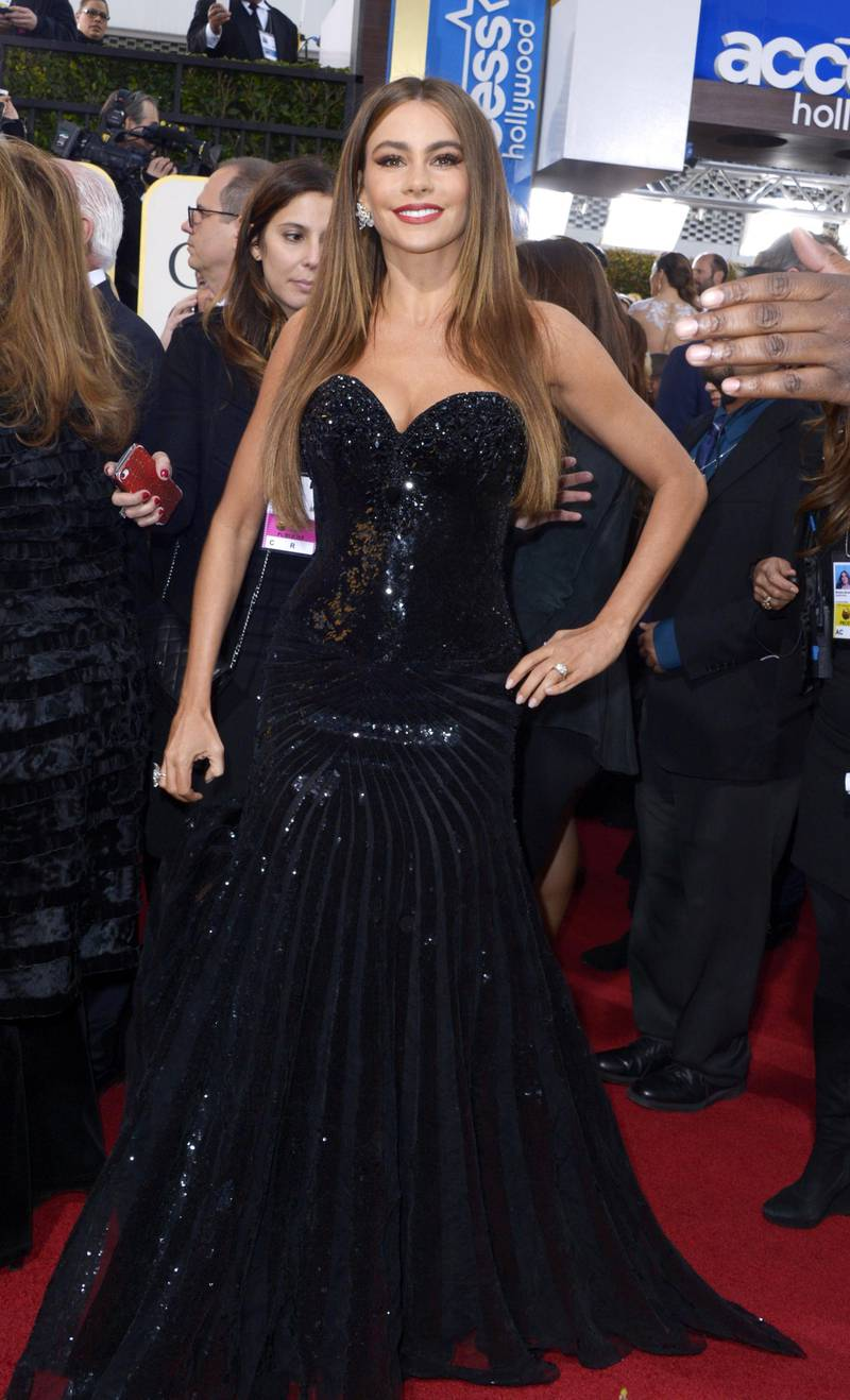 epa03534729 Colombian actress Sofia Vergara arrives for the 70th annual Golden Globe Awards held at the Beverly Hilton Hotel in Beverly Hills, Los Angeles, California, USA, 13 January 2013.  EPA/PAUL BUCK
